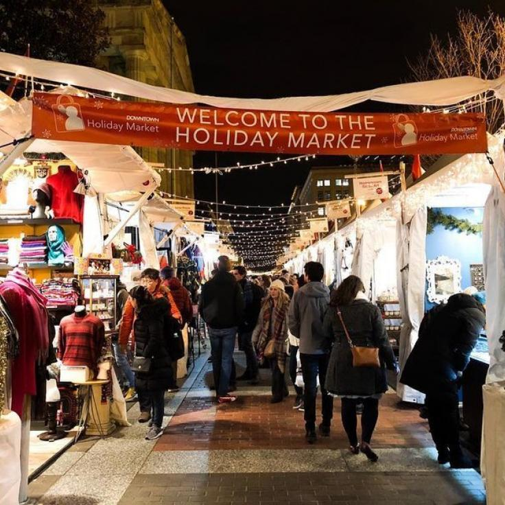 @rshenawi.photography - downtown holiday market