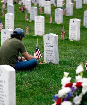 @downmade - Paying respects at Arlington National Cemetery - Guide to Arlington National Cemetery in Arlington, Virginia