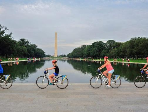 Bike and Roll DC biking by the Lincoln Memorial Reflecting Pool